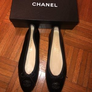 Chanel Black patent flats